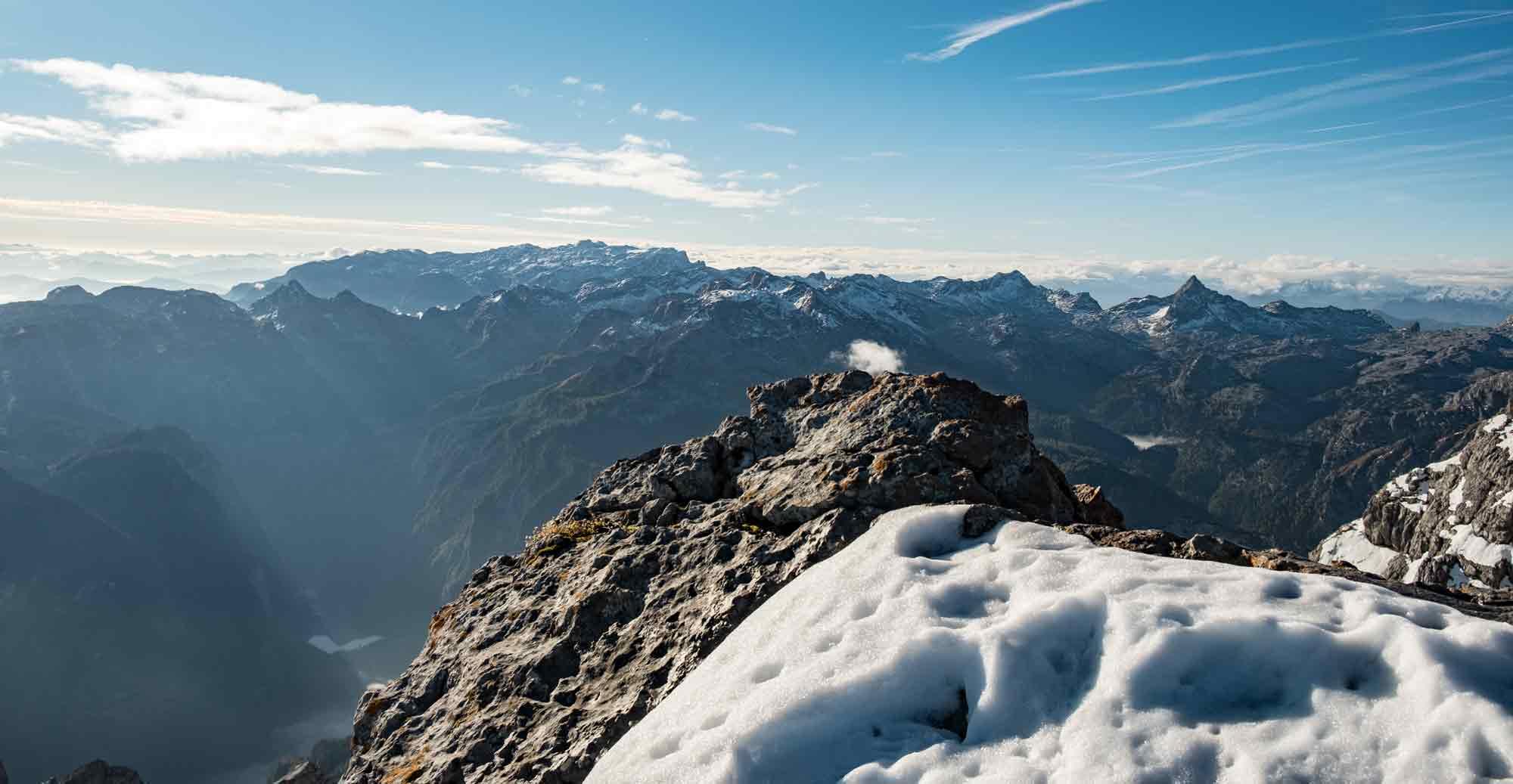 Header-Wandern-im-Winter-trekkinglife-outdoor-tipps