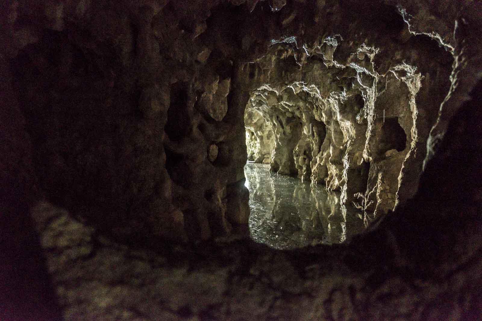 Sintra-Teil-2-quinta-regaleira-Grotte-trekkinglife-06