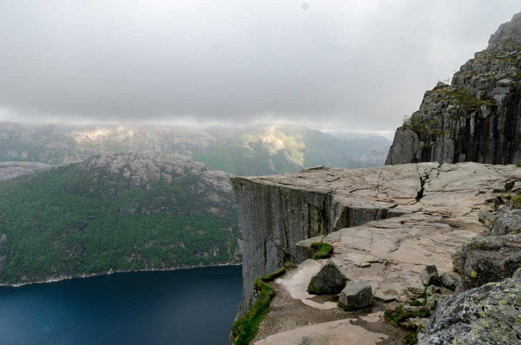 preikestolen-wandern-aussicht-lysefjord