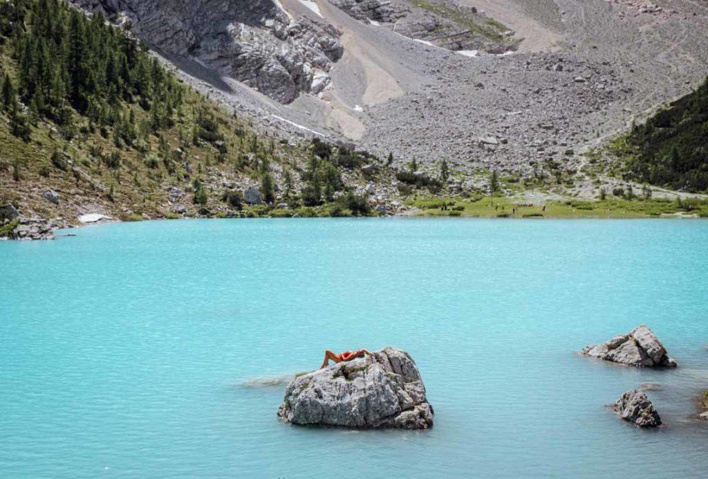 Lago-di-Sorapis-wandern-in-den-alpen-02