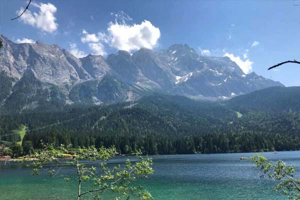 Zugspitze-wandern-alpen-karwendel-hoehenweg-artikel