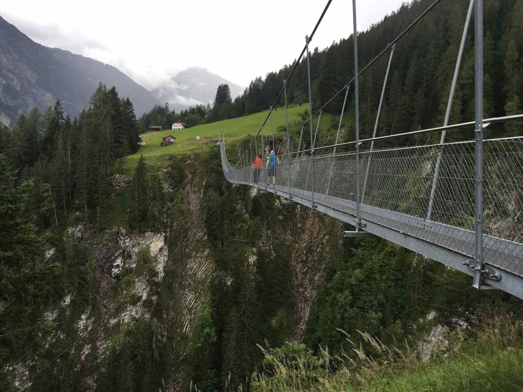 lechweg-wandern-in-den-alpen-02