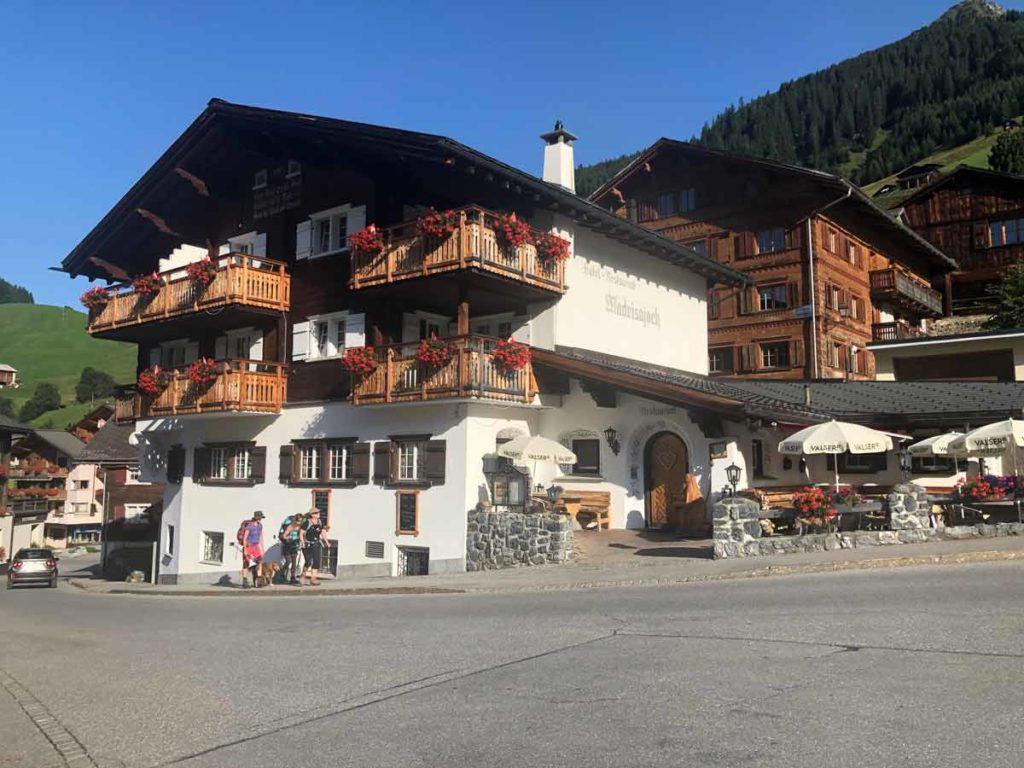 Wandern in Graubünden-madrisajoch-12