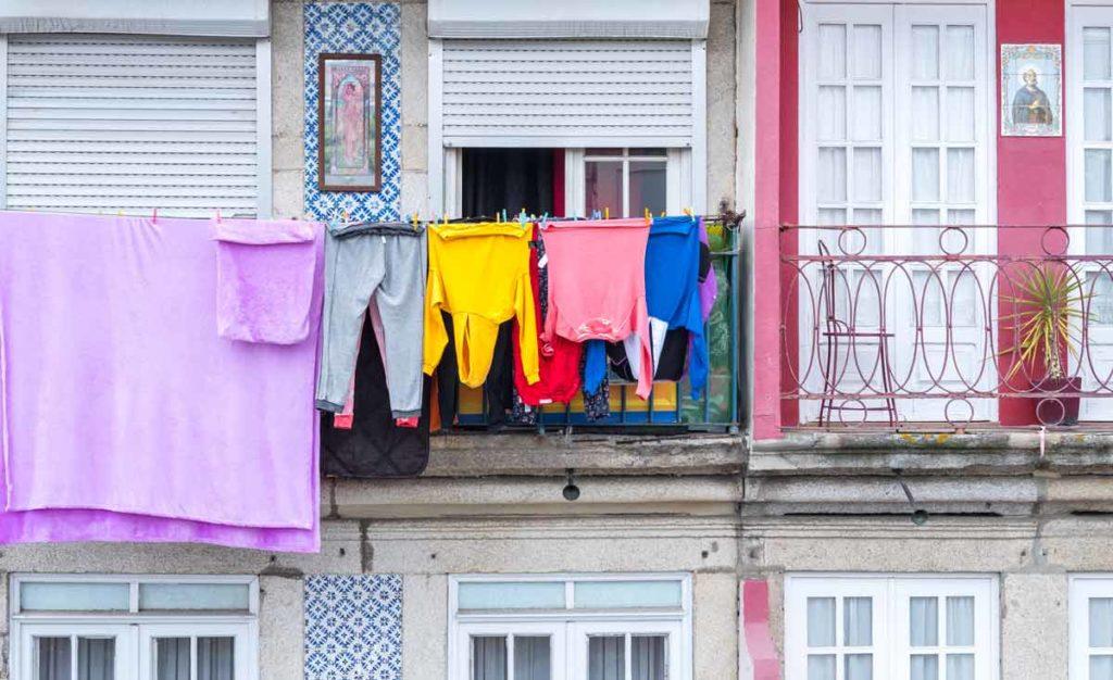 Sehenswürdigkeiten in Porto - bunte Hauswand