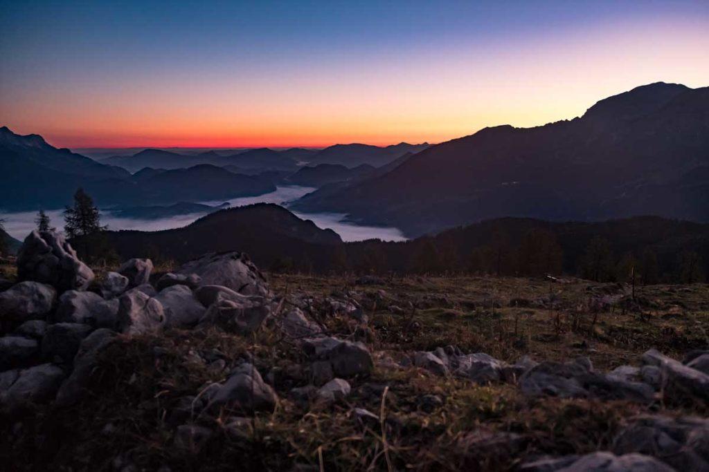 Sonnenaufgang an der Falzalm am Fuße des Watzmanns