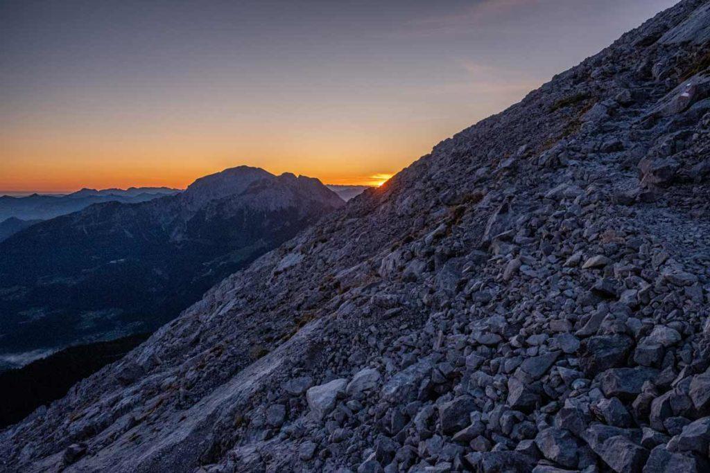 Aufstieg zum Hocheck kurz vor dem Sonnenaufgang