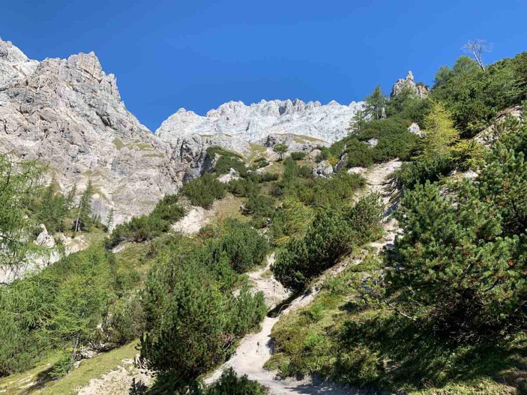 Watzmannüberschreitung Blick zurück während des Abstiegs