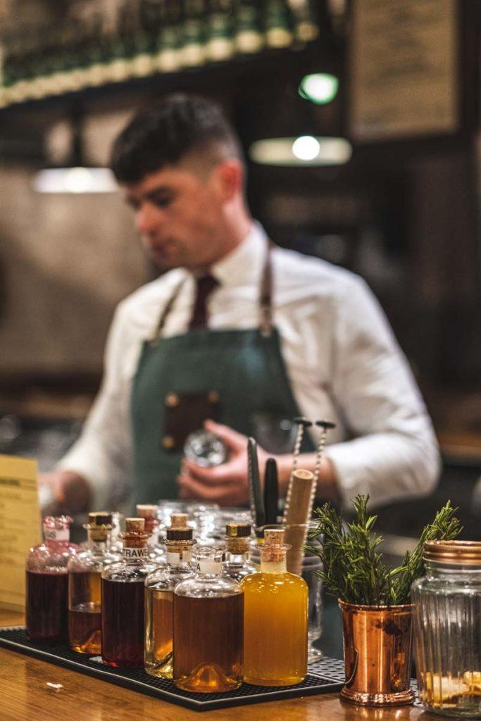 dublin-sehenswuerdigkeiten-jameson-cocktail-mixing
