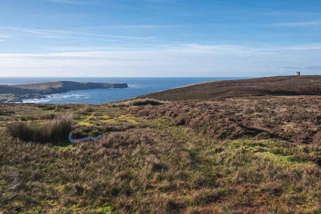 Panoramablick auf den Atlantik und den Napoleon Tower im County Donegal Irland