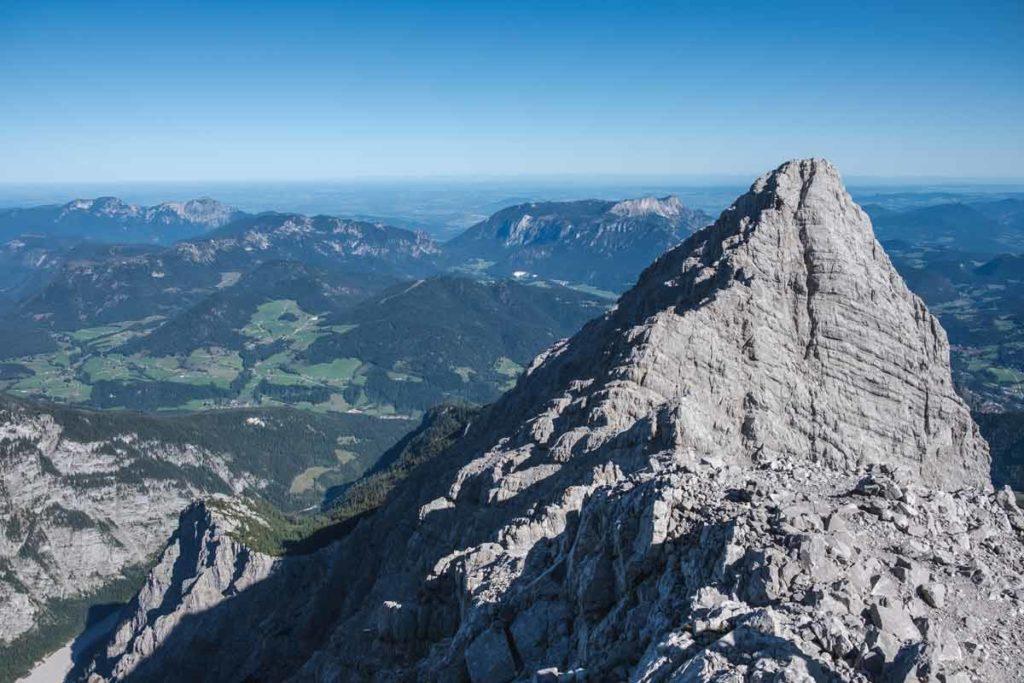 Blick auf die Watzmann Mittelspitze von der Südspitze während der Watzmannüberschreitung