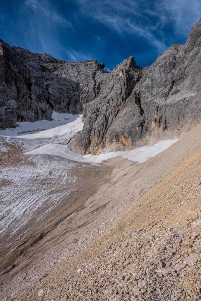 Zugspitze durch das Höllental - Gletscher hinter dem Geröllfeld