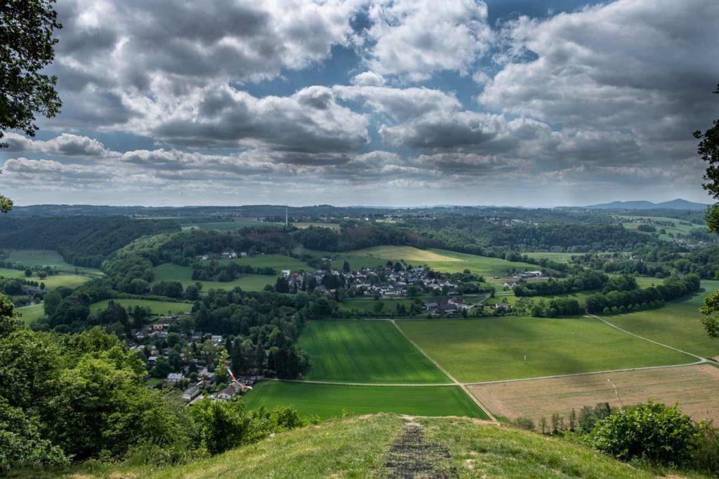 Aussicht auf Blankenberg vom Natursteig Sieg
