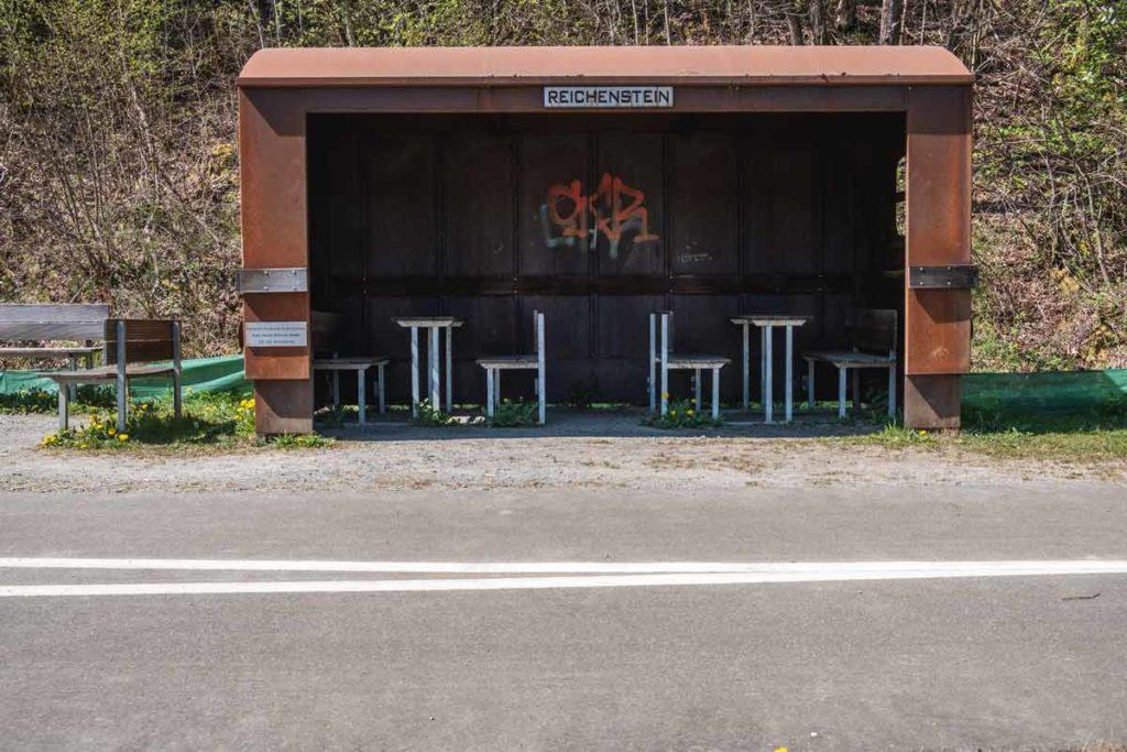 Eine Pausenmöglichkeit am Vennbahnradweg in der Nähe des Klosters Reichenstein