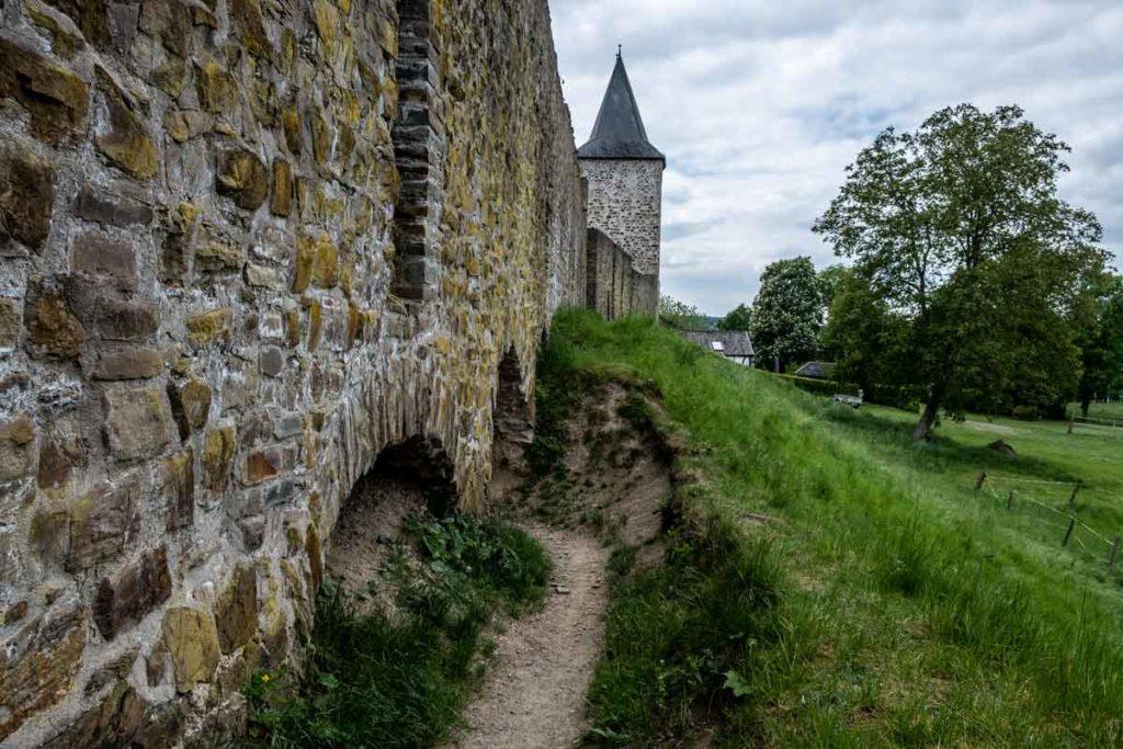 Burgmauern der Blankenburg