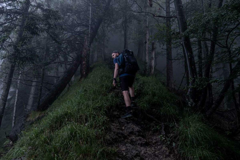 Mystische Stimmung auf dem Koasa Trail am Niederkaiserkamm