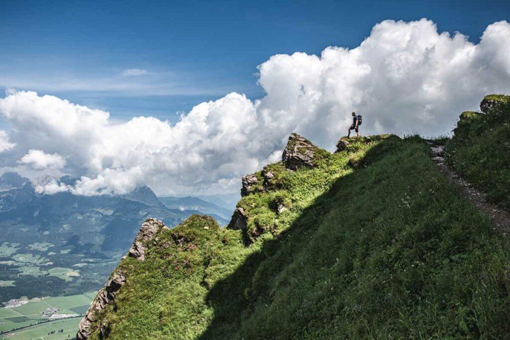 Blick nach Oberndorf vom Kitzbueheler Horn auf dem Koasa Trail