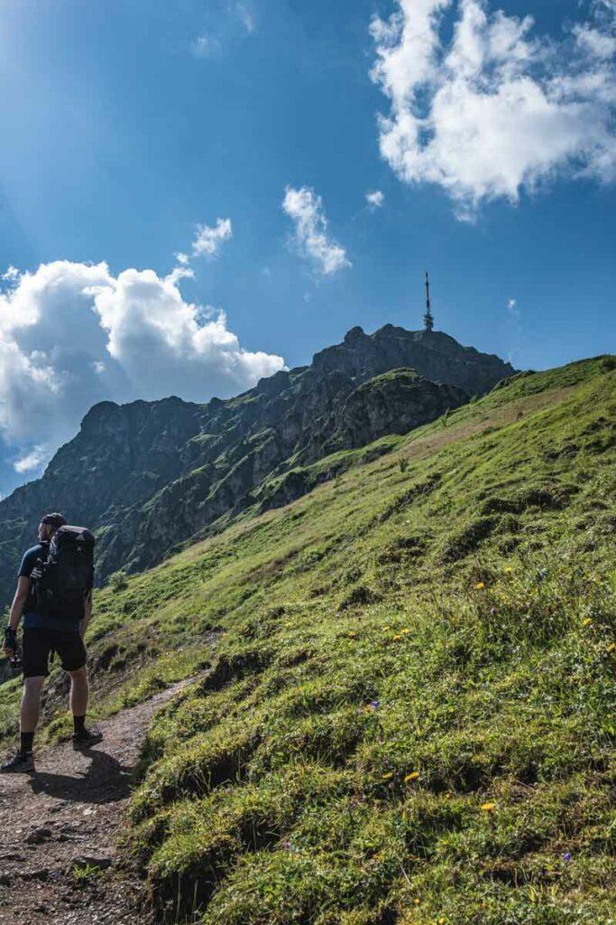 Jannik im Aufstieg zum Kitzbüheler Horn