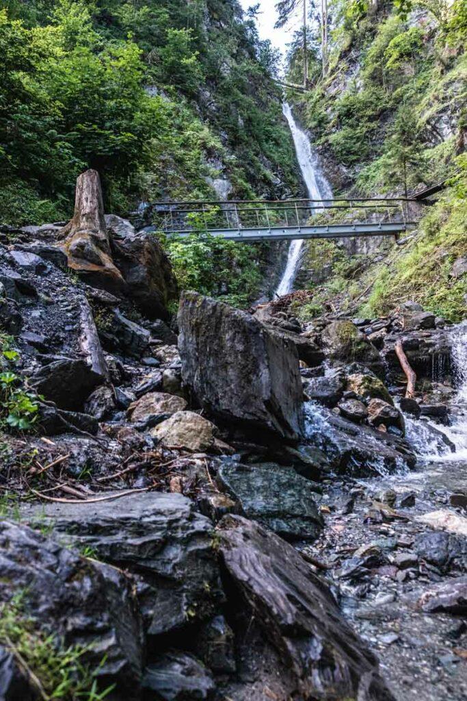 Brücke vor dem Eifersbacher Wasserfall