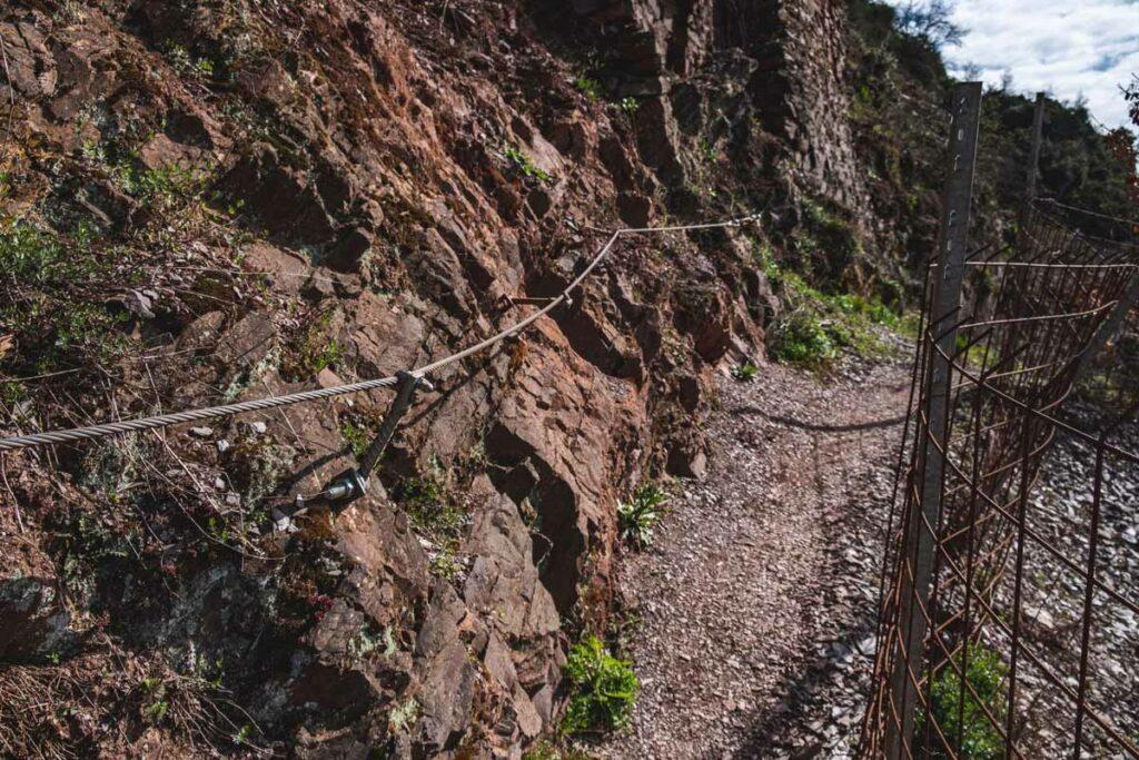 Stahlseil auf dem Calmont Klettersteig