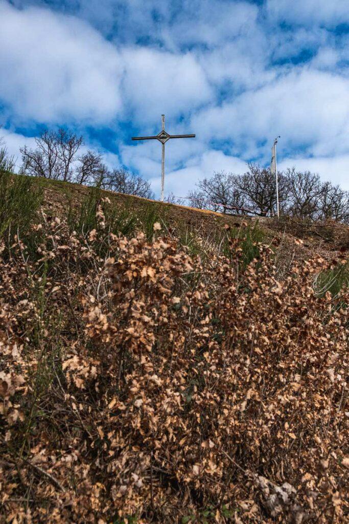 Gipfelkreuz oberhalb des Moseltals
