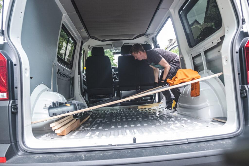 VW T6.1 Camper Ausbau - Bodenplatte entfernen DIY