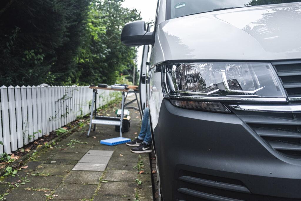 Ausbau auf der Straße - VW Camper Ausbau