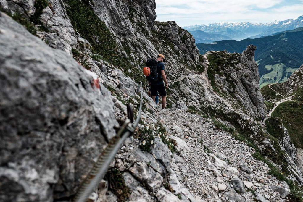 Abstieg von der Passauer Hütte ins Tal nach Ullach/Leogang