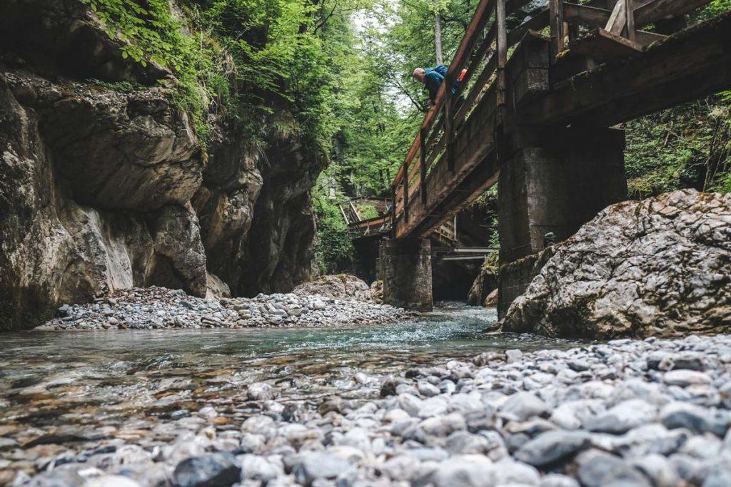 Einstieg seichtes Gewässer - Seisenbergklamm