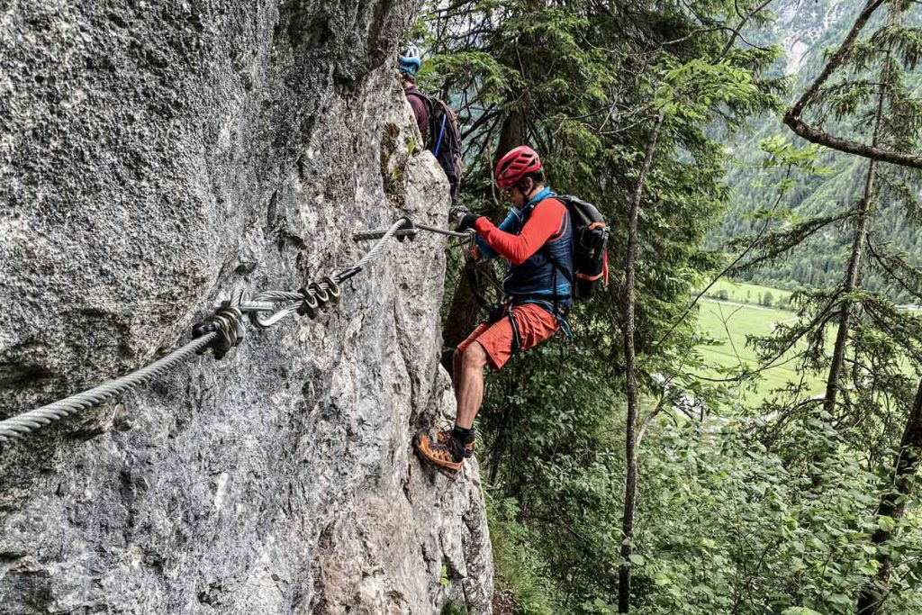 Klettersteig-Querung-Weisse-Gams-Bjoern-Bergparadiese