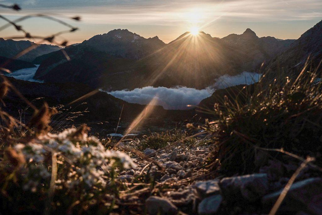 Sonnenaufgang über dem Watzmann an der Passauer Hütte