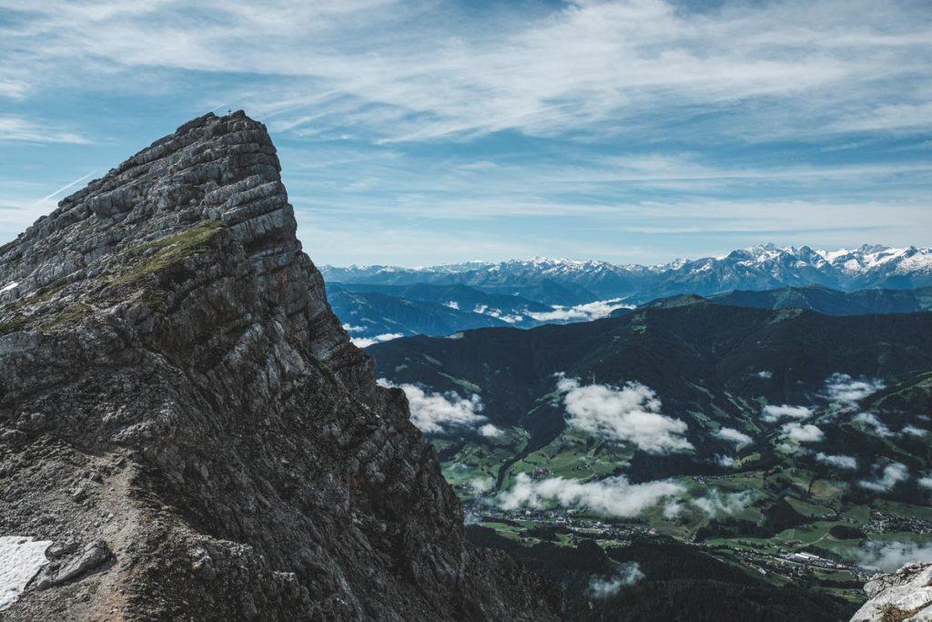 Hochzint und im Tal liegt Leogang